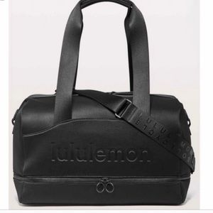 RARE Lululemon Gym Duffle Bag
